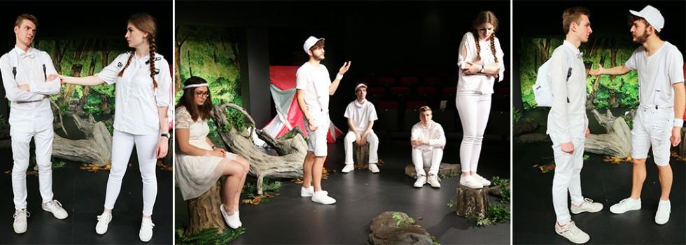 Szenenbild: <small>Zu Gast im Contra-Kreis-Theater:</small><br /> ICH weiß…was du im Sommer 2037 tun wirst
